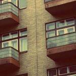 Mieszkanie bez kredytu? Czy ceny mieszkań spadają?